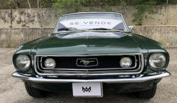 Ford Mustang lleno
